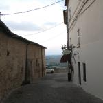 Vicoli all'interno del castello di Candelara