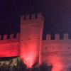 Veduta notturna delle mura di Gradara