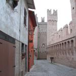 Camminamento interno al Castello di Gradara