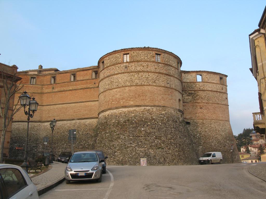 Centro di Sassocorvaro con la Rocca Ubaldinesca