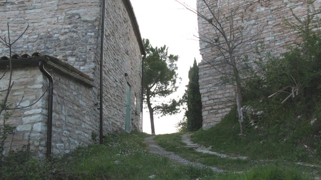 Un particolare del borgo di Villa Croce