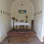 Interno della chiesetta di Cavoleto