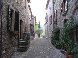 Via principale di Frontino