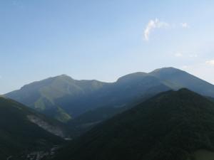 Vista dei monti Catria ed Acuto da Frontone