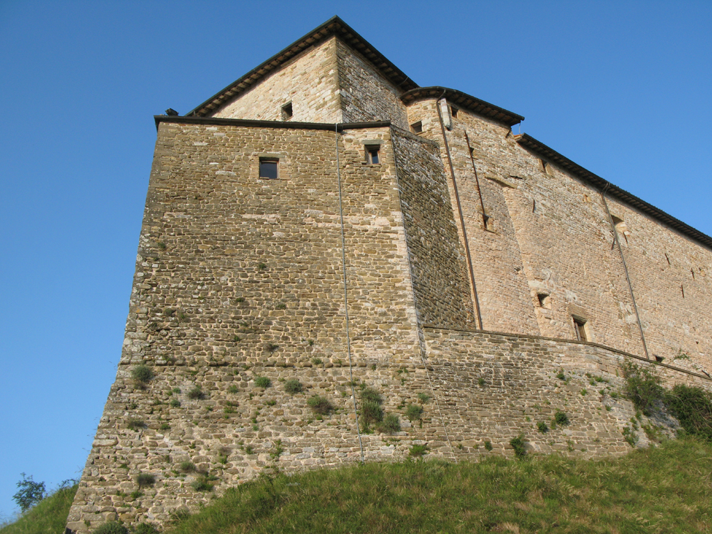 Frontone borghi pesaro e urbino for Castello di frontone