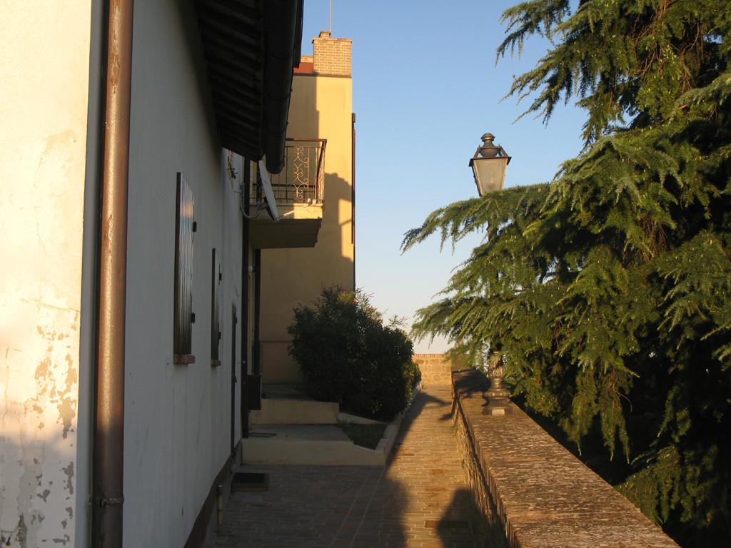 Camminamento sulle mura del Castello