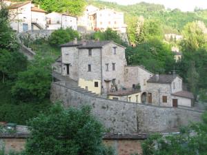 Scalinata di collegamento tra Castello e Borgo