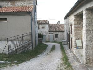 Interno del borgo di Montiego