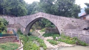 Ponte medievale a schiena d'asino di Apecchio