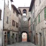 Torre campanaria con orologio ad Apecchio