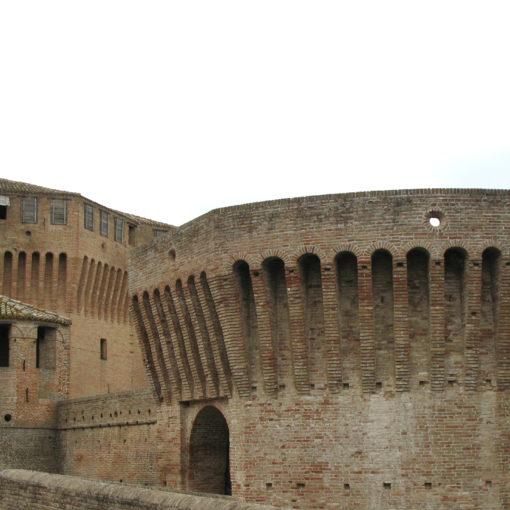 Rocca di Mondavio con torrione