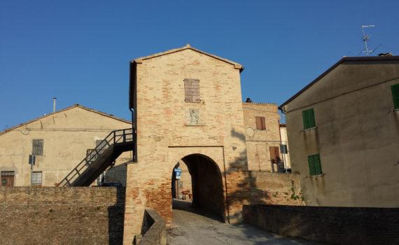Porta d'ingresso a Montefabbri