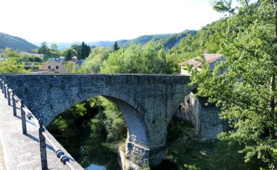 Ponte romanico di Mercatello sul Metauro